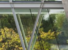 Detalle de la pasarela de la sede centra de la UDIMA