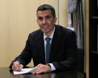 Juan Luis Rubio, vicerrector de la UDIMA, trabaja en su despacho.