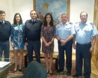 Las profesoras Laura y María Lara, junto al general Gómez Rojo y coroneles del Ejército del Aire conformando el equipo del SHYCEA.