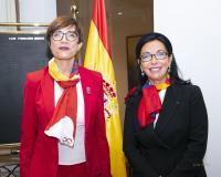 La directora general de la Guardia Civil, María Gámez, con la presidenta de Mujeres Avenir, María Luisa de Contes