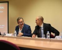 Javier Alberto Zaragoza junto al profesor de la UDIMA Daniel Fernández Bermejo, este viernes en el campus de Villalba.