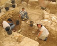 Paloma Villarreal, en unas excavaciones arqueológicas