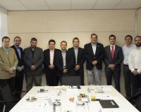 Foto de familia de los participantes en la mesa redonda de IDG