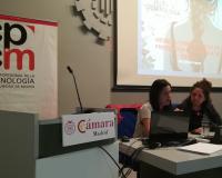 Susana Laguna (izq.) durante su ponencia en la Jornada Mujer y Criminología.