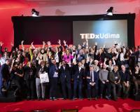 Foto de familia al término del II TEDx UDIMA, en Collado Villalba.