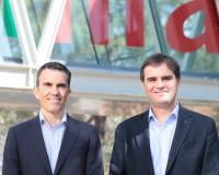 Juan Luis Rubio, vicerrector de la UDIMA, acompaña a David Martínez, de IOE, en su visita a la Universidad.
