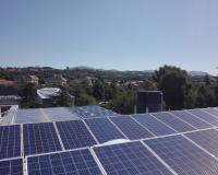 Placas fotovoltaicas instaladas el tejado del Campus (Redacción: UDIMA Media/Fotografía: Daniel Fiunte)