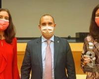 Las profesoras de la UDIMA junto a Pablo Bellido, presidente de las Cortes de Castilla-La Mancha