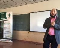 Intervención del profesor José Ignacio Jiménez Ortega durante la visita al Colegio Padre Claret (Fotografía: Arancha de las Heras)