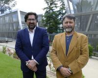 Fer Enis, a la derecha de la imagen, junto a Luis Miguel Belda, director de Comunicación (Redacción: UDIMA Media/Fotografías: Alejandro Benito)