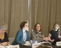 Inés Campillo, en el centro de la imagen, durante su intervención