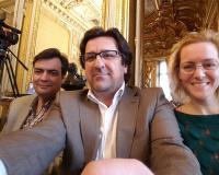 De izquierda a derecha del selfie, Víctor Núñez, Luis Miguel Belda y Paula Mellado