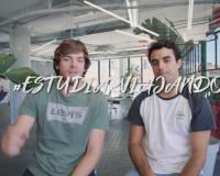 Sergio y César durante uno de sus primeros vídeos de #EstudiarViajando.